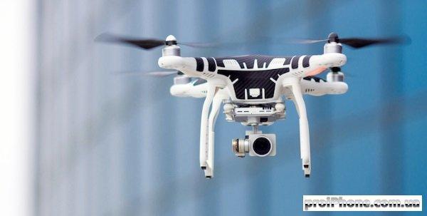 черно-белый дрон с камерой